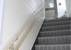 入り口・階段